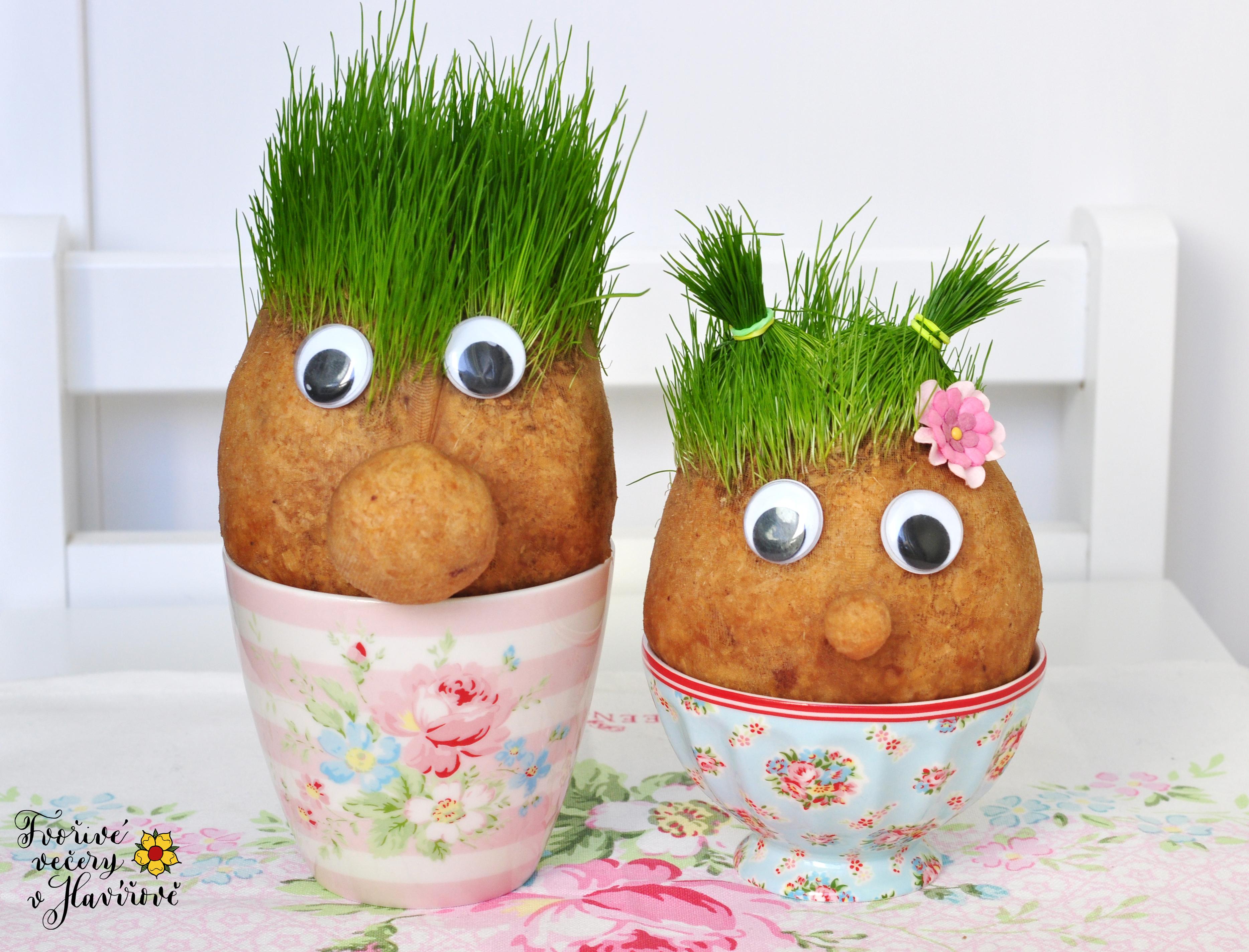 Velikonoční travní panáčci