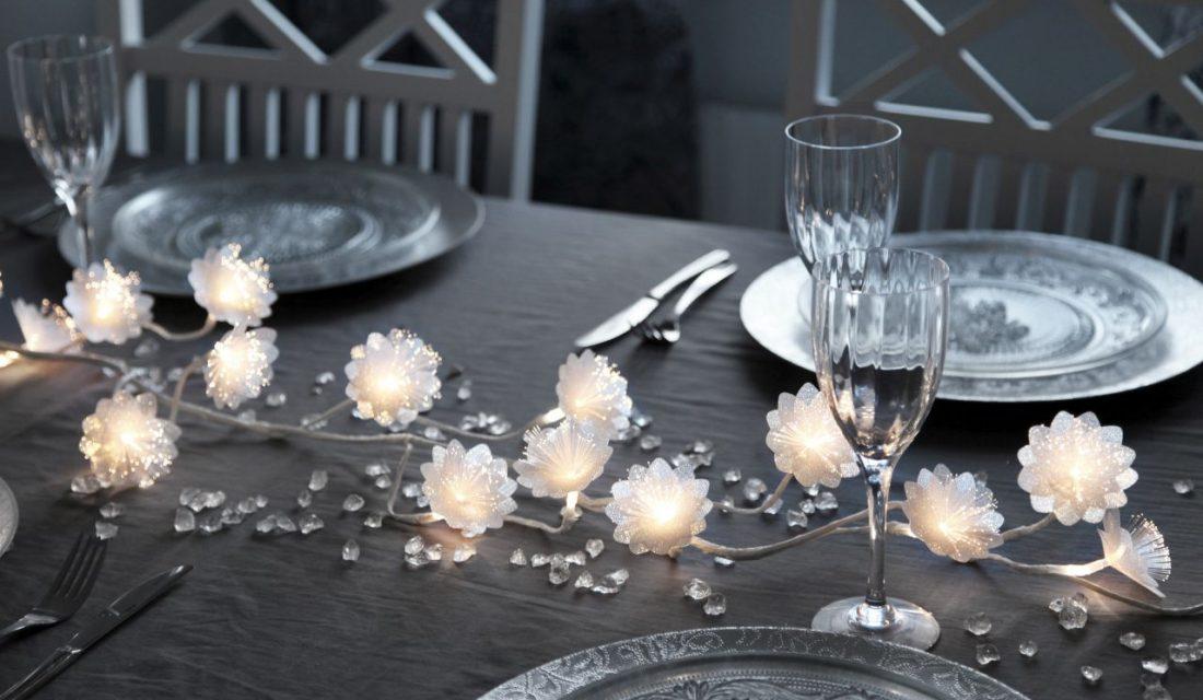 Světelná girlanda s květinami - Star Trading