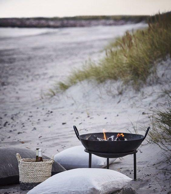 Grilování na pláži je v Dánsku oblíbenou letní kratochvílí.