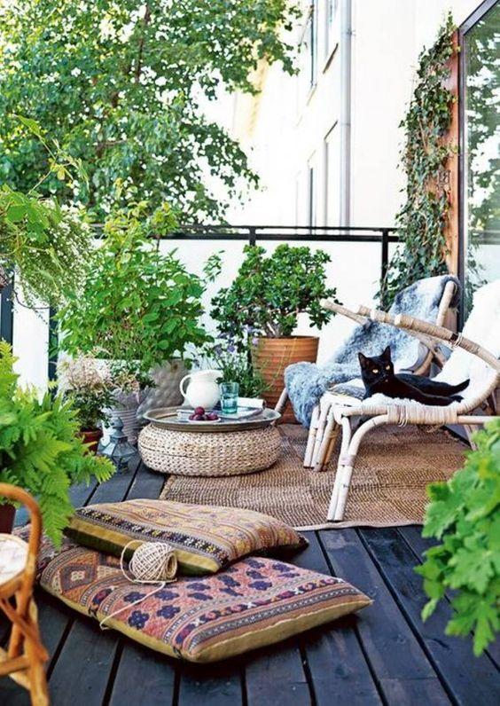 Svůj letní hygge koutek můžete mít i na balkóně!