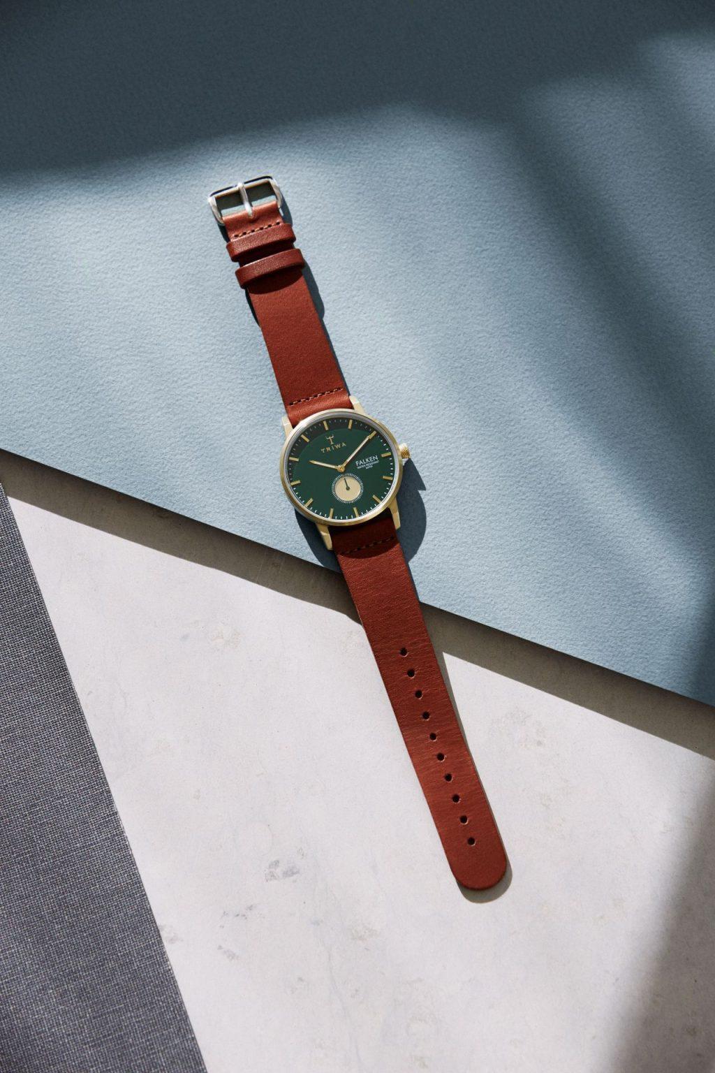Hnědé hodinky Triwa