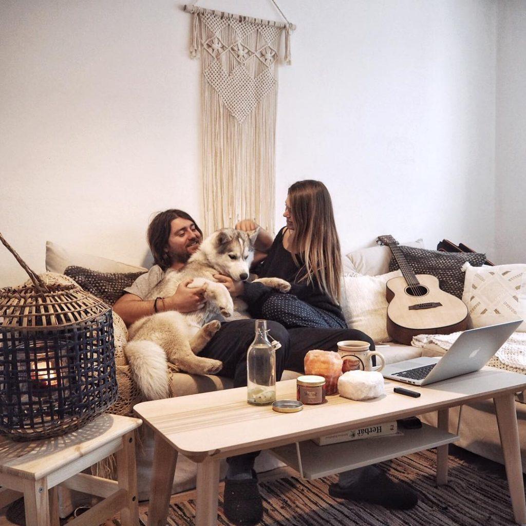 Anie s manželem a jejich fenkou Dači