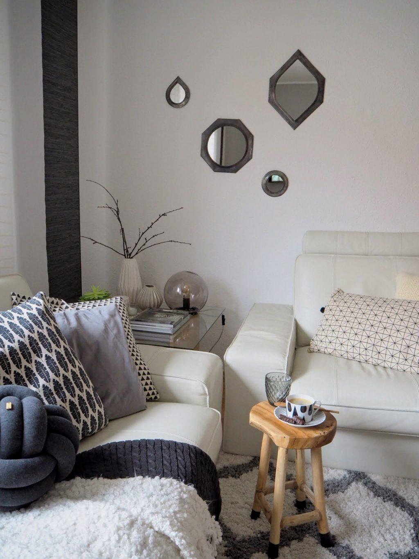 Útulná škandinávska obývacia izba.