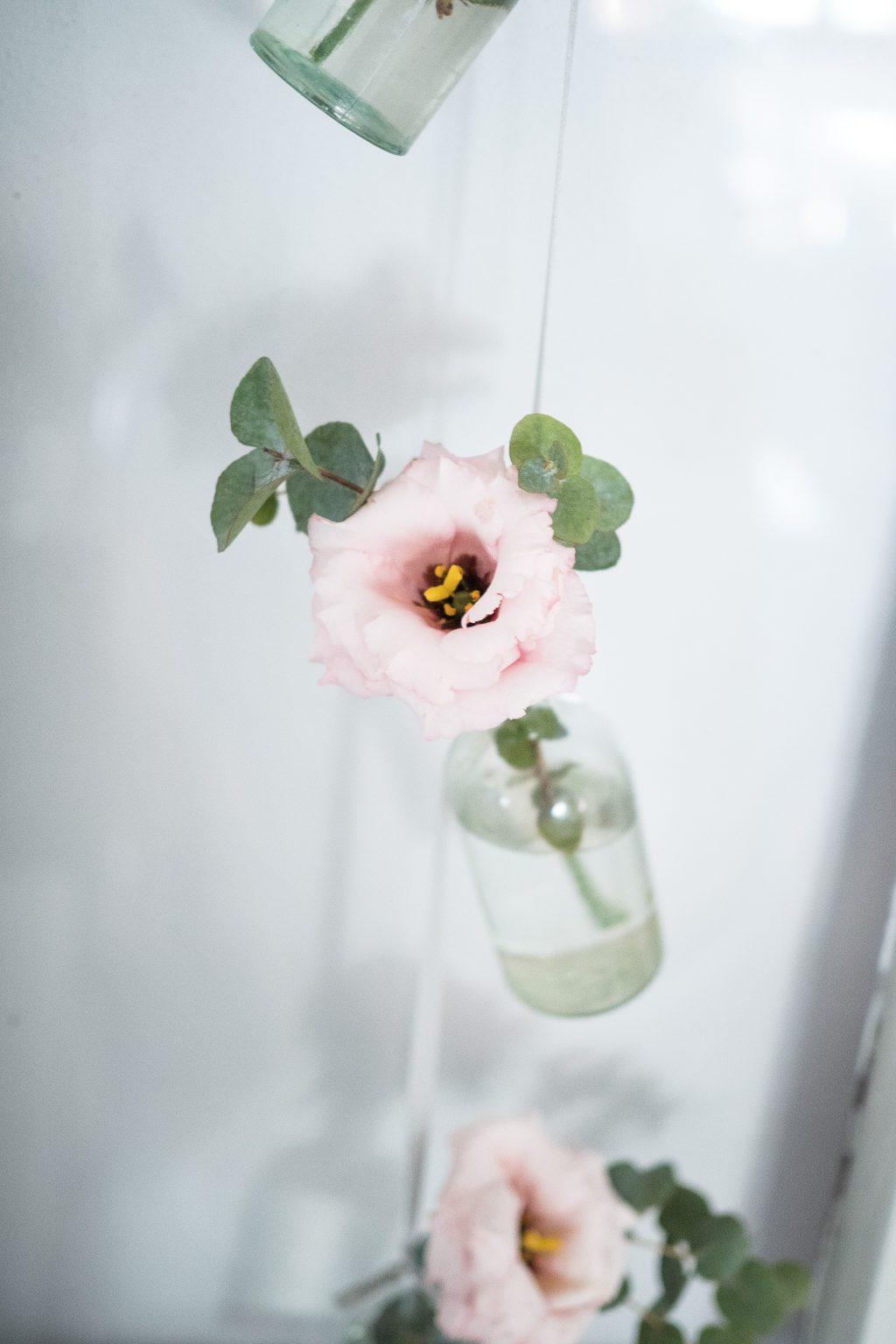 Jarní květy v lahvičce
