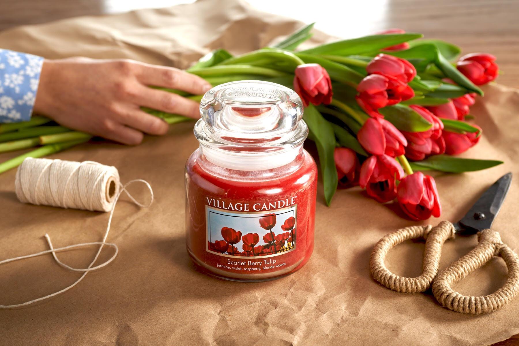 svíčka s tulipány