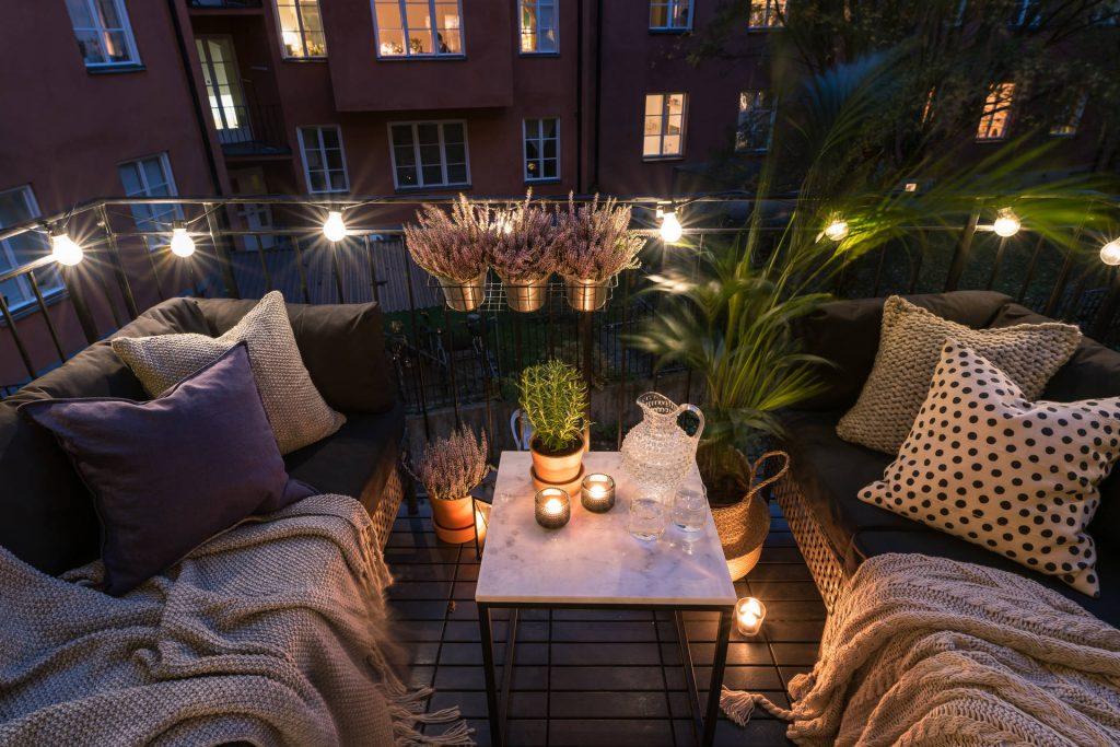 Světýlka na balkoně