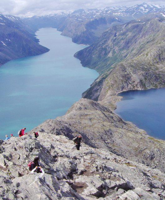 Horský hřeben Besseggen v Norsku