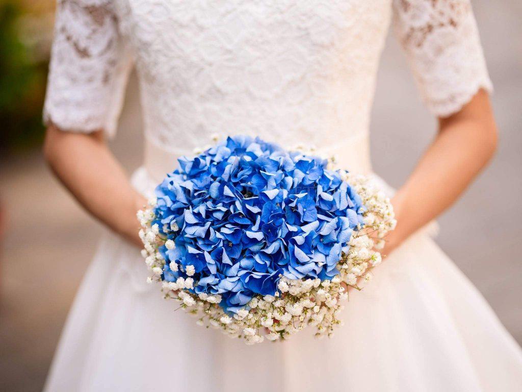 9472a50da6df Nechcete šliapnuť s výberom svadobnej kytice vedľa  Dohodnite si  konzultáciu so skúseným floristom. Spravte tak radšej v predstihu