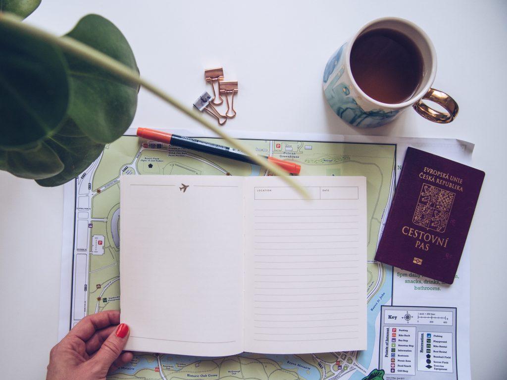 Co všechno zařídit před odletem? Nejlepší je si to sepsat!
