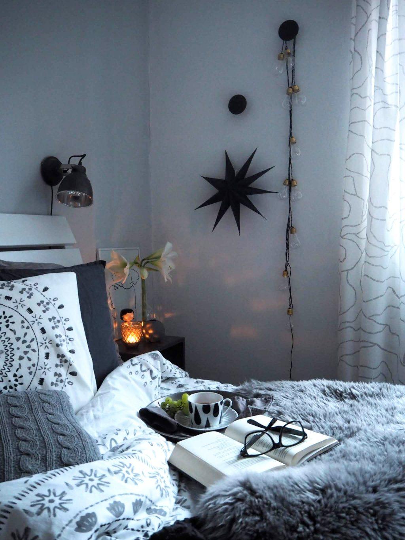 Světelný řetěz v ložnici