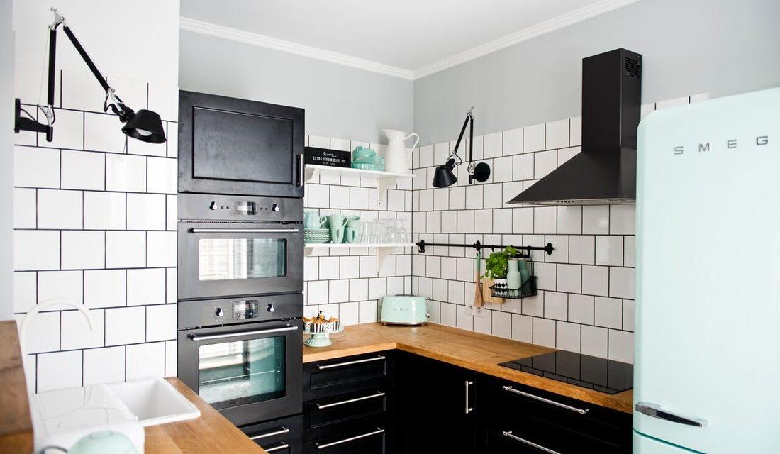 Škandinávska kuchyňa s dotykom pastelu.