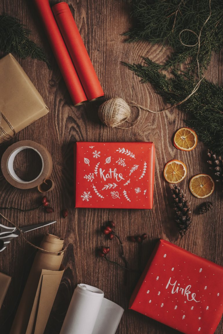 vánoční balicí papír diy