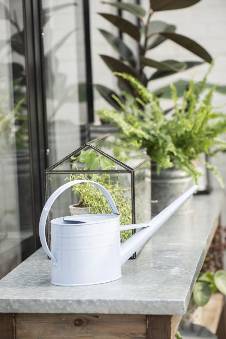 zahradní konvička